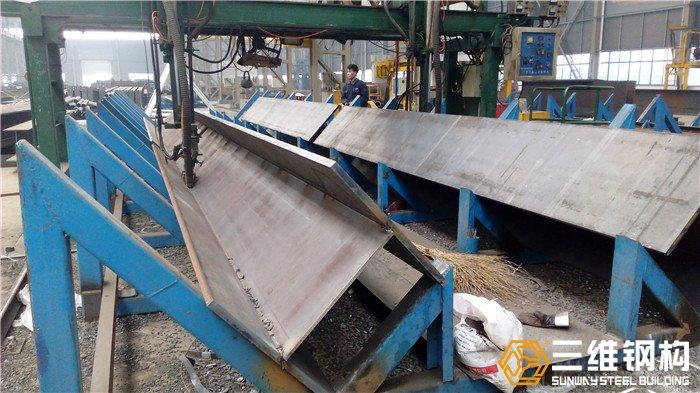 焊接h型钢柱钢梁加工-山东三维钢结构加工公司